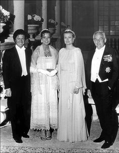 Princess Caroline, Philippe Junot, Princess Grace, and Prince Rainier attend Caroline's pre- wedding ball Princesa Grace Kelly, Princesa Diana, Prince Rainier, Charlotte Casiraghi, Philippe Junot, Photo Glamour, Grace Kelly Wedding, Prince Of Monaco, Patricia Kelly