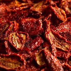 Ecco come fare i pomodori secchi homemade e portare in tavola il gusto genuino di un prodotto prelibato della tradizione pugliese