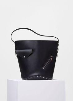 91a813b208dd Biker Bucket Bag in Natural Calfskin - Céline Bolsa De Carteiro, Sacos De  Moda,