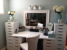 This video is by Maggiesmakeuptv.  I found this video on youtube and love her storage and organization space!  Very clean and neat set up!  The drawer units are from Ikea: http://www.ikea.com/ca/en/search/?query=Alex  As is the tabletop: http://www.ikea.com/ca/en/catalog/products/10071172/#/10219277    The chair, mir...