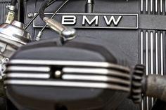Like black and highlights R65, Bmw Scrambler, Bobber, Golf Clubs, Motorcycle, Formula 1, Twin, Highlights, Flat
