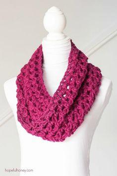 Basic Chunky Cowl - Beginner Crochet Pattern