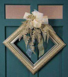 Create a holiday wre