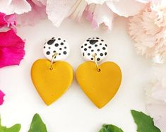 Fimo Clay, Polymer Clay Charms, Polymer Clay Earrings, Money Making Crafts, Beaded Earrings Patterns, Crafty Craft, Cute Crafts, Handmade Jewellery, Clay Projects