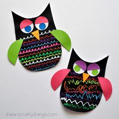 Occasionally there are times when I am so happy about a craft we made that I can hardly contain my excitement for sharing it with you. This is one of those times! The bright and bold colors of the Fun Chalk markers (affiliate link) mixed with the dark black color of the owl makes this …