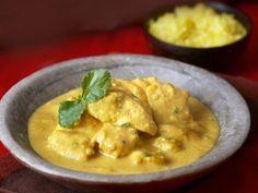 Curryhähnchen auf indische Art (Chicken Korma) ist ein Rezept mit frischen Zutaten aus der Kategorie Hähnchen. Probieren Sie dieses und weitere Rezepte von EAT SMARTER!