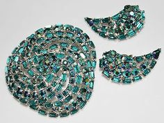 GORGEOUS Vintage SHERMAN Teal AB Rhinestone Swirl Brooch, Earrings Set