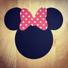 Minnie Mouse Cut Outs con arcos varios tamaños y colores