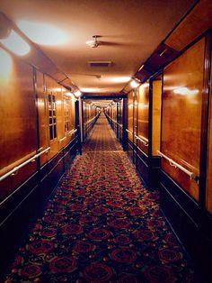 stateroom corridor (ship's interior)