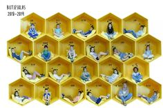 Welkom in L1B – Sint-Andreasinstituut Brugge Kindergarten Classroom, Classroom Themes, Working Bee, Buzz Bee, Immaculate Conception, School Photography, Bee Theme, Early Childhood Education, Hand Illustration