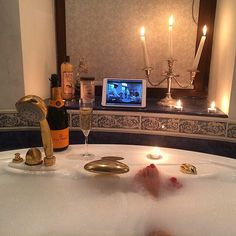 Champagne, glorious bath and frothy bubbles, scented candles, and oh so dreamy food. Displays, Luxe Life, Relaxing Bath, Rich Life, Me Time, Bath Time, Bath Caddy, Luxury Living, Life Goals