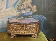 B330 - Gorgeous Antique French Ormolu Trinket Casket, Griffins & Hearts, C1870 - La Belle Étoffe