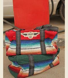 wander inn SERaPE WeeKenDER bag This would make a great Bday gift. Hint, hint :)
