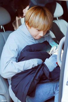 He's such a small, precious baby. Nct 127, Winwin, Taeyong, Nct Dream, K Pop, Park Ji-sung, Park Jisung Nct, Sm Rookies, Entertainment