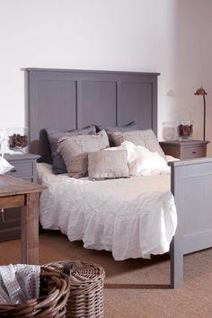 Landelijke slaapkamer Grey Room Decor, Have A Good Night, Bedroom Vintage, Modern Country, Bedroom Styles, Painted Furniture, Master Bedroom, Ikea, Rustic