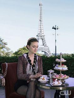 Blair Waldorf in Paris in Gossip Girl