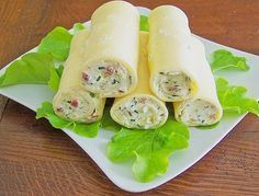 Brunch Recipes Goudaröllchen, a very delicious recipe from the category Fast and easy. Party Finger Foods, Snacks Für Party, Finger Food Appetizers, Brunch Recipes, Appetizer Recipes, Snack Recipes, Cooking Recipes, Law Carb, Brunch Buffet