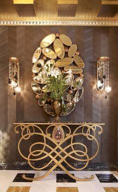 La consola es una de las piezas maestras en una pared de pared, usted debe tener un seguro! Ver nuestra selección y ser inspirado con este mobiliario de lujo. See more here www.covethouse.eu