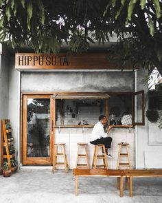 Cozy Coffee Shop, Small Coffee Shop, Coffee Store, Small Restaurant Design, Small Cafe Design, Cafe Shop Design, Cafe Interior Design, Industrial Coffee Shop, Coffee Shop Aesthetic
