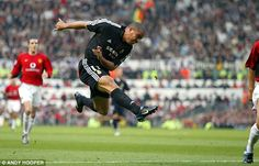 Incredible: Ronaldo scores to open the scoring for Real, beating Fabien Barthez at his near post