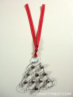How to make a chicken wire jingle bell ornament