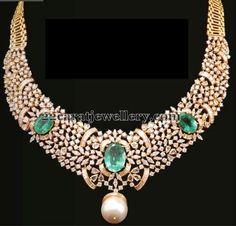 Jewellery Designs: Emeralds Highlighted Classic Choker