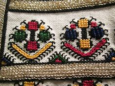 Romanian blouse detail. Bucovina. Photo Alina Panaite Folk Costume, Costumes, Moldova, Romania, Cross Stitch, Textiles, Traditional, Embroidery, Boho