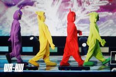 Group Halloween Costumes, Cute Halloween, Group Of 4 Costumes, Girl Costumes, Under The Rainbow, Solar Mamamoo, Funny Kpop Memes, Rainbow Bridge, Korean Girl Groups
