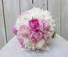 Bride Bouquets, Floral Wreath, Wreaths, Rose, Flowers, Plants, Decor, Horsehair, Bridal Bouquets