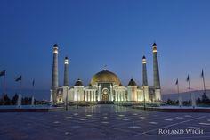 https://flic.kr/p/BXnG4N | Asgabat - Türkmenbasy Ruhy Mosque | en.wikipedia.org/wiki/T%C3%BCrkmenba%C5%9Fy_Ruhy_Mosque