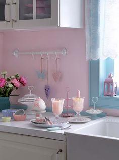 English Home Pastel Kitchen Inspiration  I Mutfak Ürünleri