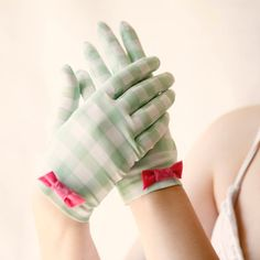 picnic party  checked vintage gloves by whichgoose on Etsy, $12.00