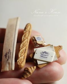 French bread and packaging from Toma Tanaka