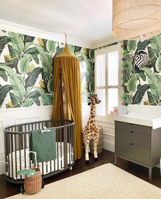 Safari fever 🌿🦒🌴 Nice, right? You can get the basket trolley, the stuffed animals and the baby blanket by Done by Deer in the shop: my-fantasyroom. Safari Room, Jungle Room, Safari Nursery, Woodland Nursery Decor, Baby Bedroom, Baby Room Decor, Cool Kids Bedrooms, Nursery Inspiration, Baby Boy Nurseries