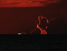 A picture of the elusive green flash!