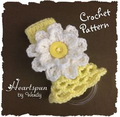 Kitchen Towel Ring with Lattice Skirt and Flower pattern by Wendy Connor Crochet Towel Holders, Crochet Dish Towels, Crochet Towel Topper, Double Crochet, Single Crochet, Flower Patterns, Crochet Patterns, Decorative Towels, Crochet Kitchen