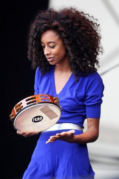 Corrine Bailey Rae. Beauty in Blue. Her hair is phenomenal!