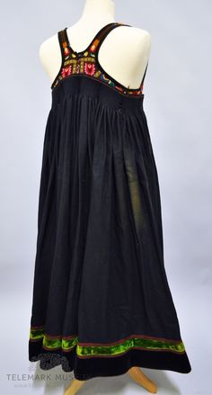 Gypsy, Museum, Costumes, Embroidery, Tank Tops, How To Wear, Dresses, Women, Fashion