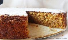 Oliwka w czekoladzie: Ciasto marchewkowe z orzechami