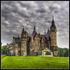 https://flic.kr/p/86zBsW | Castle in Moszna, Poland