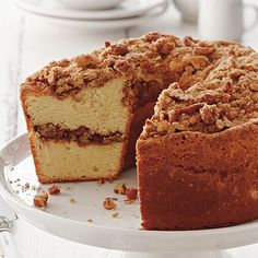 Coffee Cake Pound Cake - Rise-and-Shine Breakfast Recipes - Southern Living - Recipe:Coffee Cake Pound Cake Marry two Southern specialties, coffee cake and pound cake, to create one buttery, best-of-both-worlds treat. Köstliche Desserts, Delicious Desserts, Dessert Recipes, Dessert Healthy, Best Coffee Cake Recipe, Coffe Cake, Cupcake Cakes, Cupcakes, Gula