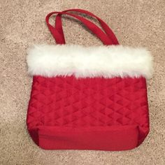 Bath and Body Works Shoulder Bag Cute Christmas shoulder bag from Bath and Body Works! Hardly used and in great condition. • Have any questions? Just ask! Bath and Body Works Bags Shoulder Bags