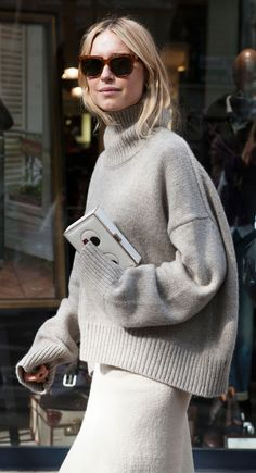15 Cozy and chic sweaters for fall Because you'll need to bundle up before you know it. via Fashionista (Pernille Teisbaek wearing a Céline sweater during Paris Fashion Week. Fashion Week Paris, Cool Street Fashion, Look Fashion, Fall Fashion, Net Fashion, Fashion Blogs, Christmas Fashion, Fashion 2018, Woman Fashion