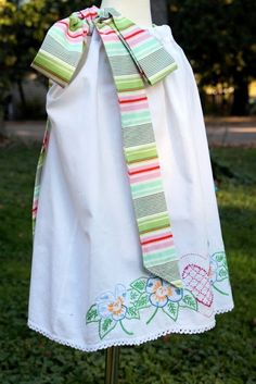 Adorable Pillowcase Dress IDEAS | Ideas for the future bebes! / Super adorable vintage pillowcase dress!