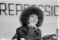 """specialnights: """" Angela Davis participating in a rally at Detroit's Cobo Hall. Angela Davis, Mick Jagger, Black Power, Women In History, Black History, Afro, Bobby, Pin Up, Cultura General"""