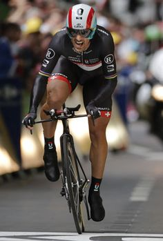 Fabian Cancellara of Switzerland has won the opening-day prologue of the Tour de France to capture the leader's yellow jersey.