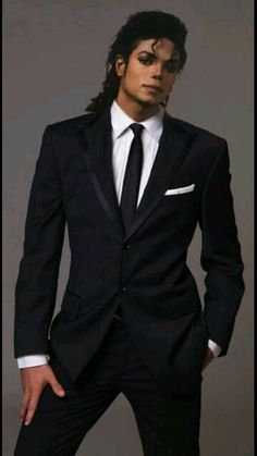 Michael Jackson King of Pop 80s Musik, Hanne Haller, Black Is Beautiful, Beautiful People, Invincible Michael Jackson, The Jackson Five, Musica Popular, Rare Images, Lisa Marie Presley