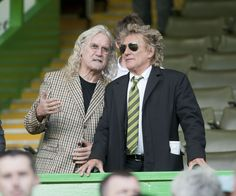 Game Photos Photos: Billy Connolly and Rod Stewart at Celtic Park in Glasgow Football Stadiums, Football Team, Celtic Fc, Celtic Team, Real Madrid Shirt, Billy Connolly, Funny People, Funny Men, Rod Stewart