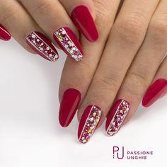 Semipermanente rosso SP69 #FemmeFatal e Starlight Silver Glitter. #nail #nails #gelnails #gelcolor #magicnails #rosso #glitter #instanails #nailstagram #nailstyle #uñasdecoradas #uñas#nailsaddict #uñasengel #passioneunghieofficial