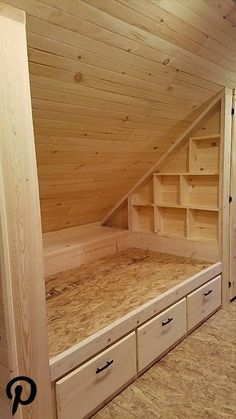 Open box bed with drawers. Also such a box bed? look at muramura. Attic Bedroom Designs, Attic Bedrooms, Attic Renovation, Attic Remodel, Bed Nook, Diy Cabin, Built In Bed, Box Bed, Bed With Drawers